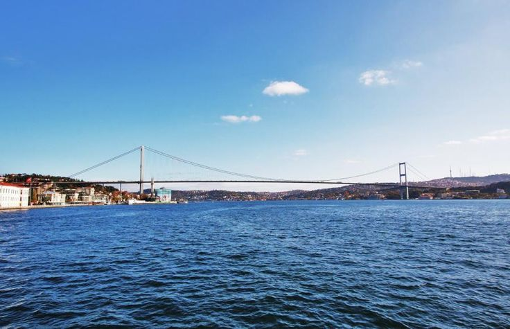 A journey along the Bosphorus and the Golden Horn with Istanbul Cruise will give you a unique insight into the great city's history. Exploring Bosphorus with Tourboks.