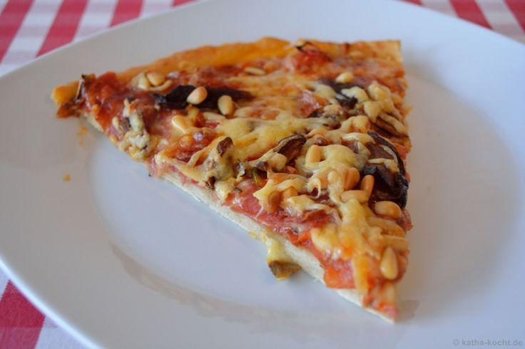 Wilde Salami-Pizza mit Steinpilzen - Katha-kocht!