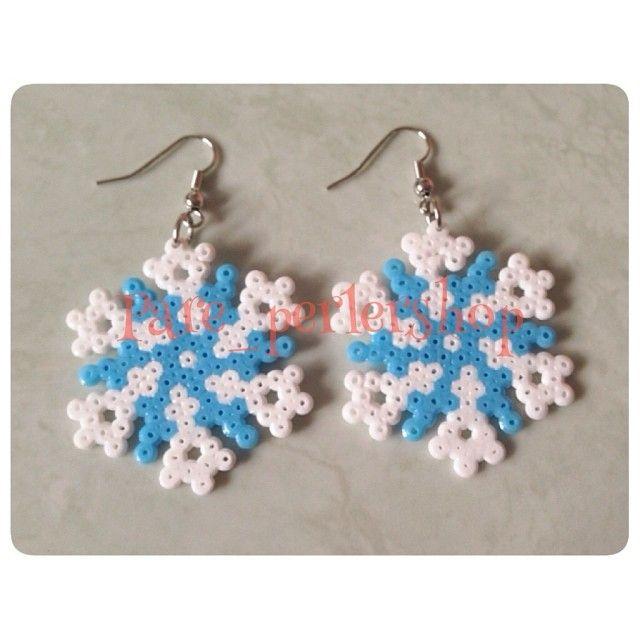 Snowflakes earrings perler beads by pare_perlershop
