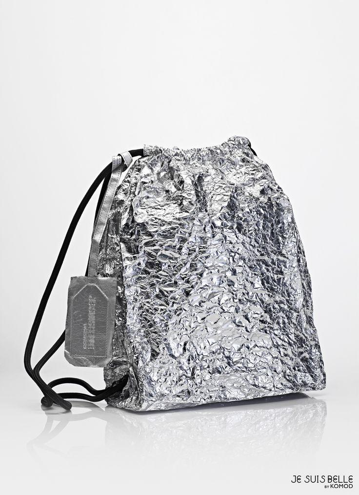 JE SUIS BELLE by KOMOD Bag collection  - PAPER BAG STRING BACKPACK - silver, aluminium, prism - Photo: Máté Balázs