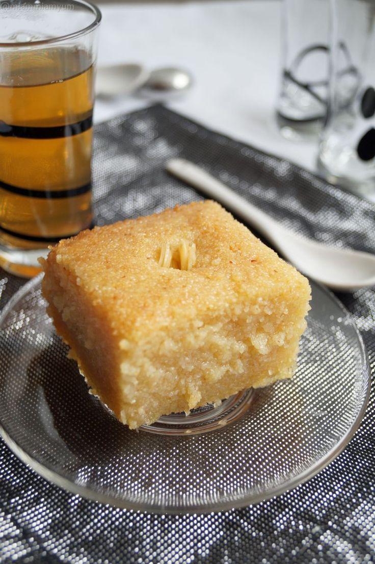 Kalb elouz - Algerian semolina cake with orange blossom water syrup - perfect treat during Ramadan!
