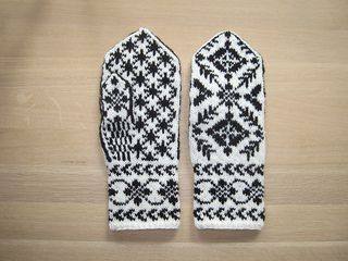 The pattern is based on traditional Selbu mittens from Norway, with a mix of different patterns from old Selbu gloves.