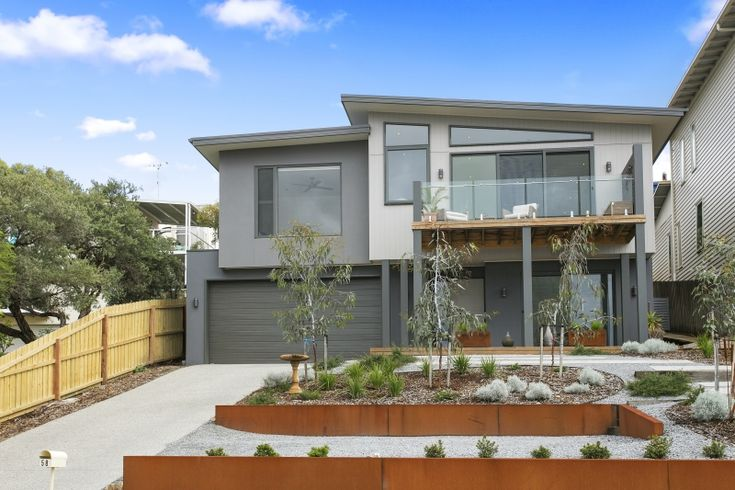 Ocean Grove residence with Unitex Render and Scyon Cladding.  Design and Construct by Pivot Homes.