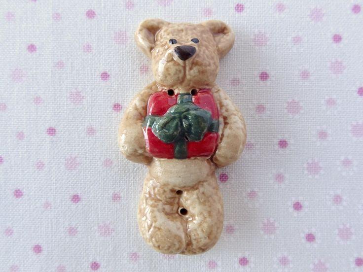Present Bear  www.cherabellabuttons.com.au
