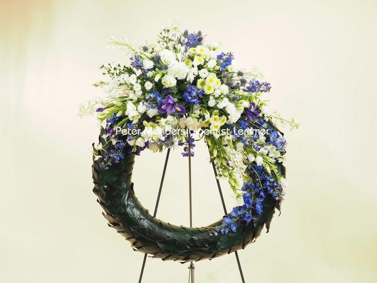 4 mei #herdenking #memorial  #Lemmer #bloemen #flowers #roodwitblauw #krans #dodenherdenking
