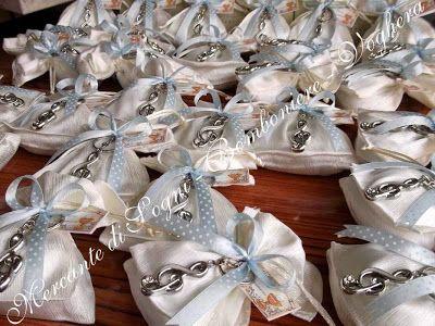 """Mercante di Sogni - Voghera - Bomboniere e Stampati dal 1969 - Vendita ai privati  Collezione """"IRIA"""" Gli Argentati  Portachiavi vari modelli Elefantino - Chiave di Sol Dado gioco - Ferro di cavallo - Cuore   Linea di bomboniere composta da portachiavi argentati assortiti. Articoli perfetti per tutte le cerimonie.  Read more: http://mercantedisognivoghera.blogspot.com/#ixzz3bXCGEmUQ"""