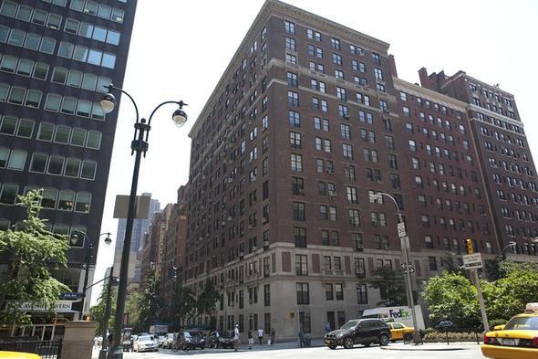 米ニューヨーク・マンハッタンの3寝室、3浴室の高級マンション。「グリフォン」という名称のこの建物は1930年代初めは名高い娼家だった。