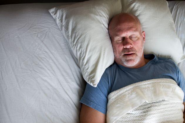UN TEST TRÈS SIMPLE POUR DÉTECTER L'APNÉE DU SOMMEIL : Il existe désormais un test rapide et très fiable pour détecter les personnes qui risquent de souffrir d'apnées du sommeil. Ce questionnaire simple a été mis au point par le Centre hospitalier universitaire vaudois (CHUV).