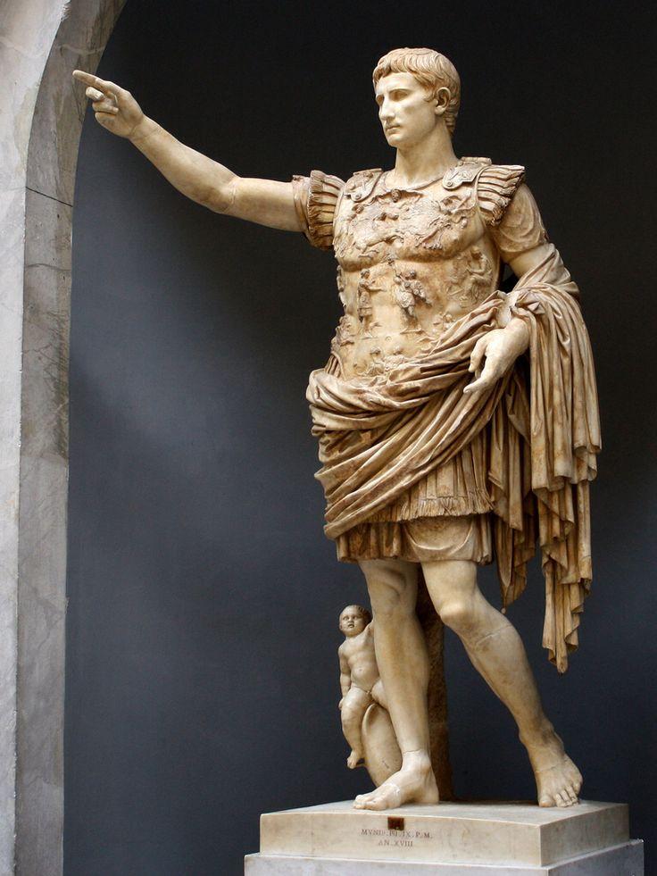 Augusto di Prima Porta, dopo il 20 a.C. . Marmo , altezza 204 cm . Città del Vaticano, Museo Chiaramonti.