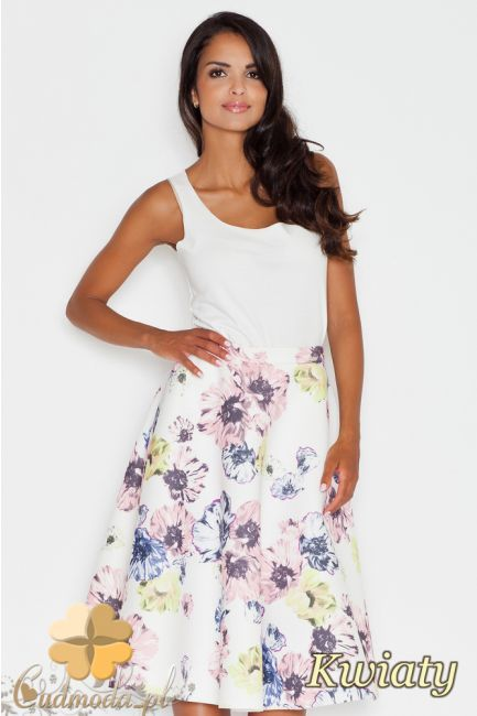 Rozkloszowana spódniczka do kolan w kwiaty marki FIGL.  #cudmoda #moda #ubrania #odzież #spódnica #spódniczki #kleid #spódnice