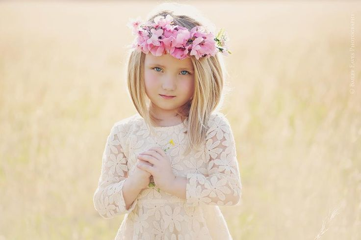 little girl photography flowers outdoor