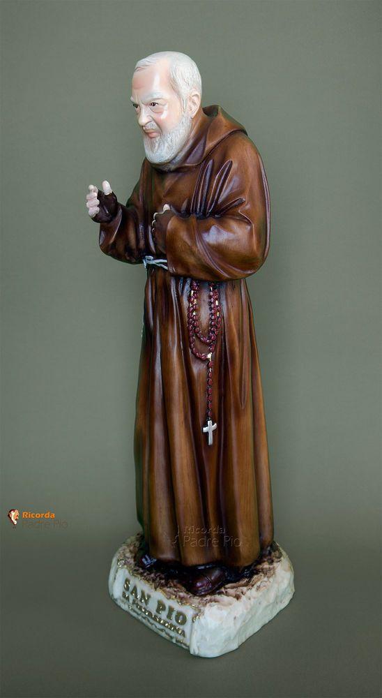 Statua di Padre Pio (benedicente) 50cm, resina polvere di marmo.