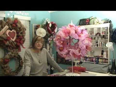 Valentine's Day Deco Mesh Wreath - YouRepeat (Pouf & Ruffle Method)