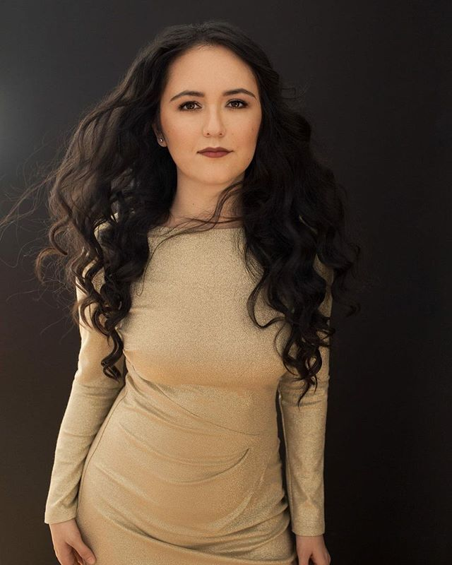 Portrait from my recent session! I was inspired by many gorgeous women to buy this gold dress! Makeover by @anomaly_makeup photo by Sergey Akhankin.  #existinphotos #portrait #photography