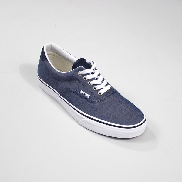 Vans Men's Era 59 C&L Blue Chambray Trainers: Era 59 C&L from Vans This is the ideal way to go for your casual trainer this summer, chambray blue canvas uppers with navy leather tongue and ankle supper, featuring classic off the wall branding on the rubber sole and tab branding on side panel. Signature waffle sole for superior grip.