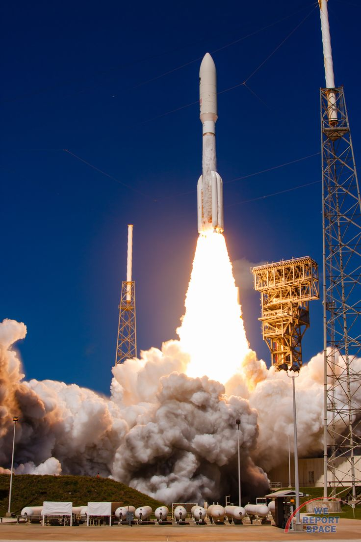 United Launch Alliance's Atlas V rocket thunders its way off the launchpad…