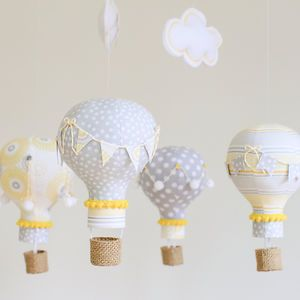 19 crafts to make with old light bulbs. Say WHAT?