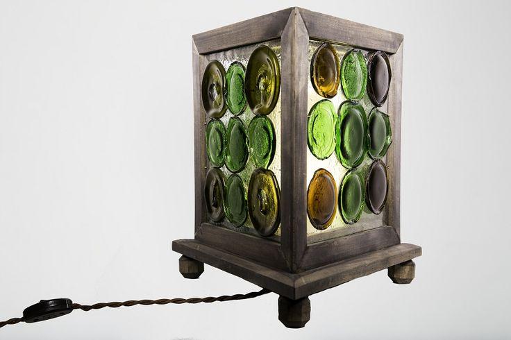 Светильники авторской работы в одном экземпляре известного маэстро Джюзеппо Дрождини с витражными плафонами из ручного стекла, выполненные в технике фьюзинг и класического наборного витража. Подставки выполнены из массива дуба и стальных элементов. В основании часто используется части капового ствола реликтового дуба. Вся электрика высшего качества со светодиодными лампами. Звоните по телефону 8 916 655 45 95 или на почту  iconamaster@yandex.ru