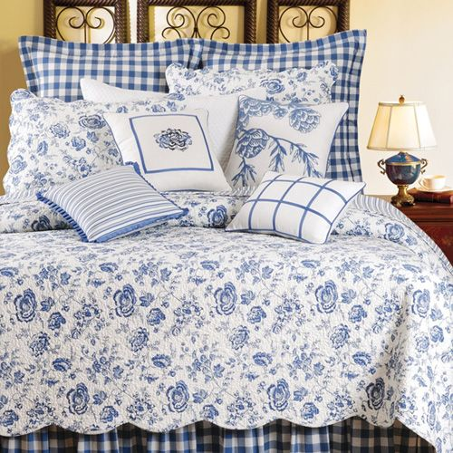 Home Decorating Company: Williamsburg Devon Lake Full/Queen Quilt By