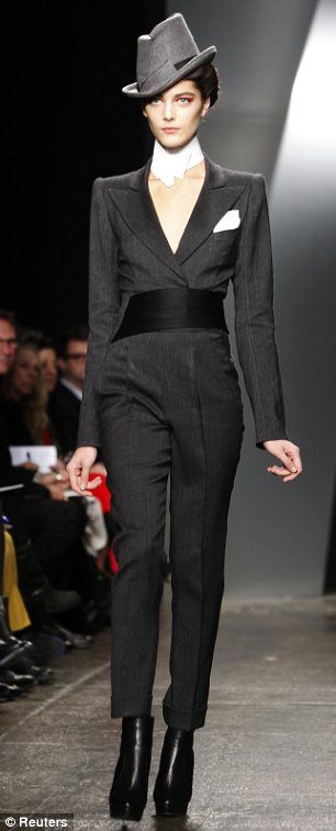 Donna Karan 2012. twenties gangster style. NYFW. ♛     ♛~✿Ophelia Ryan ✿~♛