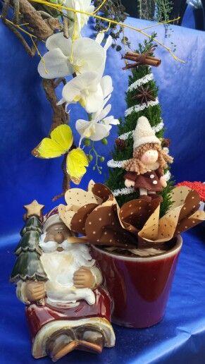 Albero di Natale con vaso natalizio in ceramica
