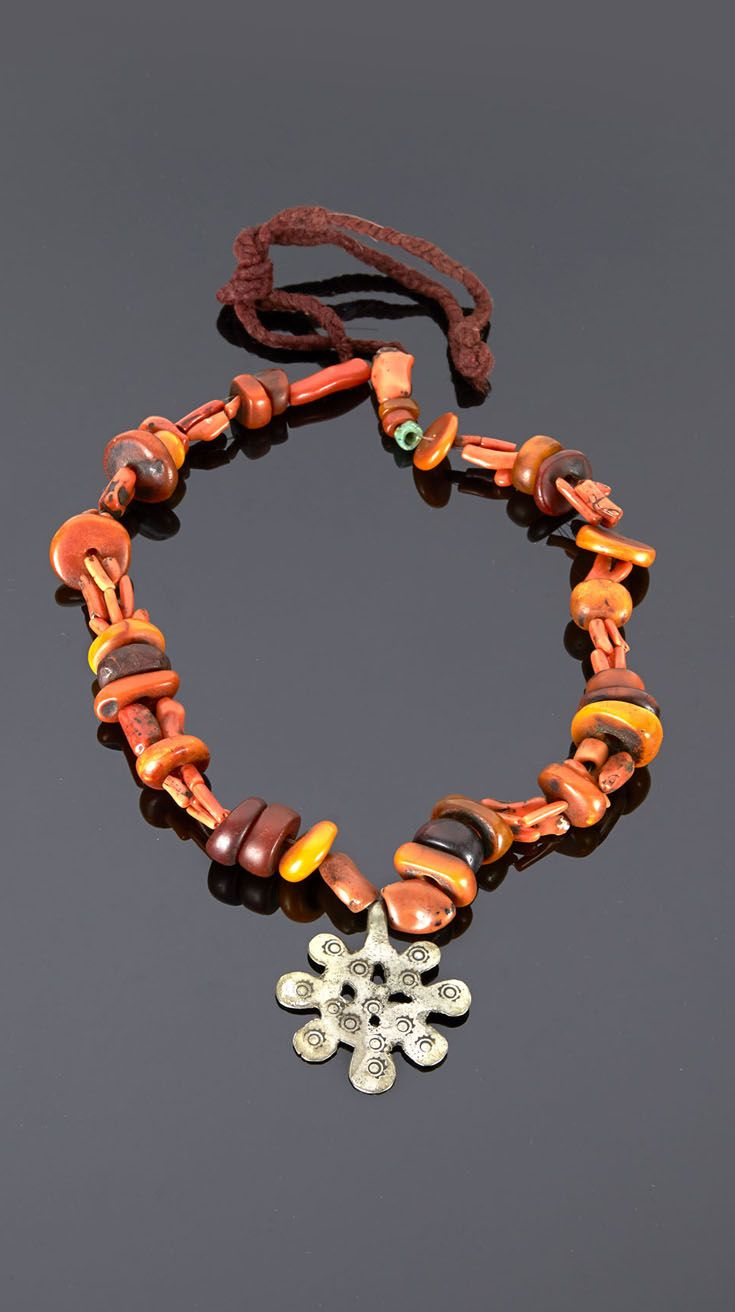 Morocco - Anti Atlas region | Necklace; amber coral and silver | 620€ ~ sold (May '15)
