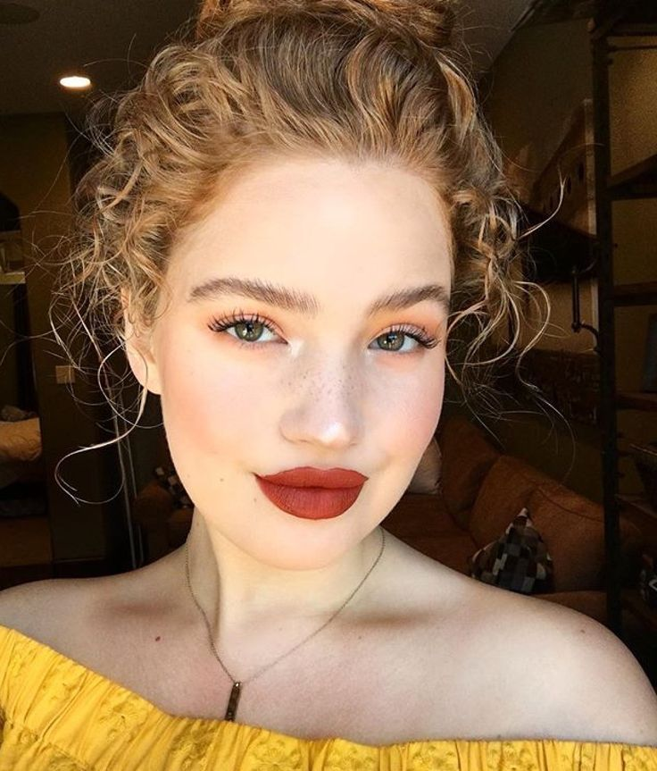 Red Lips Simple Fall Makeup Looks For Fair Skin Date Night