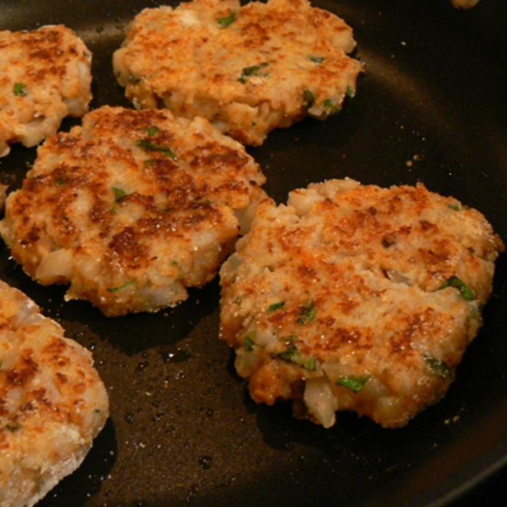 Shrimp Cakes | My family and friends loves it and when we have fish fry and I make some shrimp, crab and lobster cakes. It is so easy to fix it. They are so delicious and tasty.