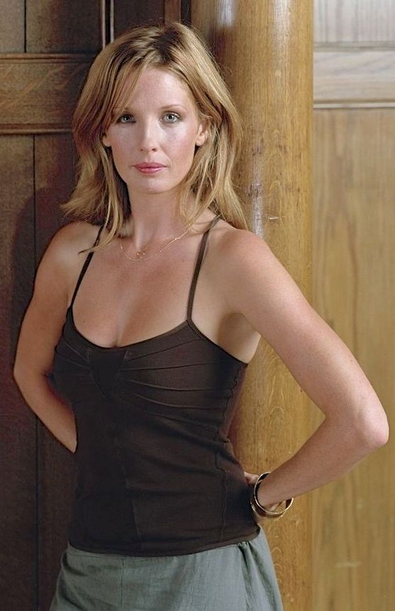 Kelly Reilly Hot 40