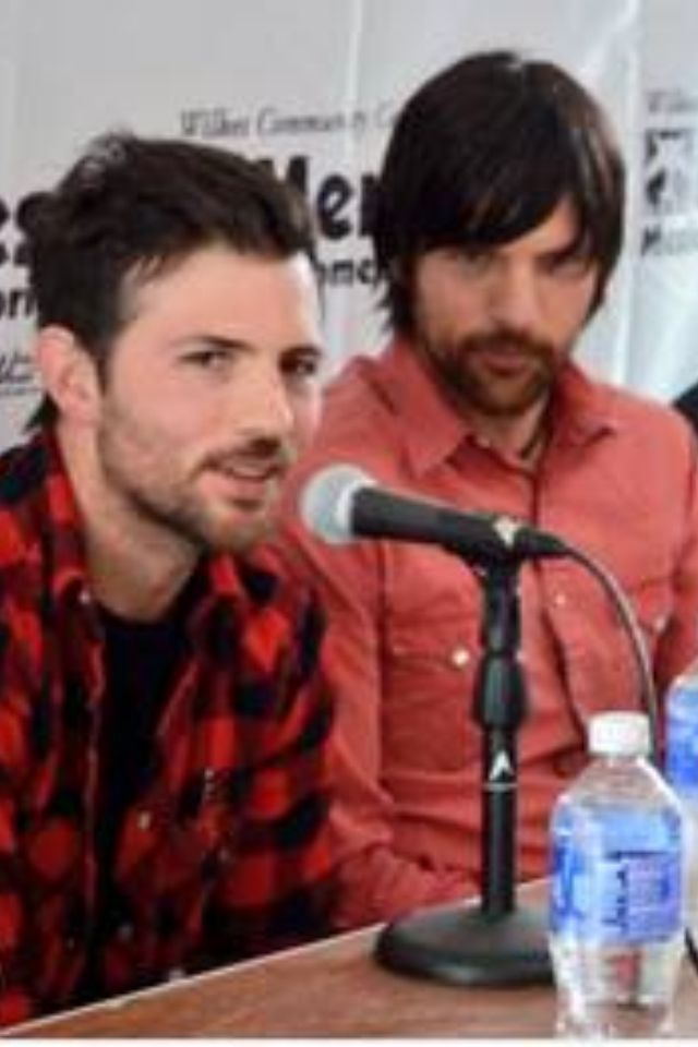how to say avett brothers