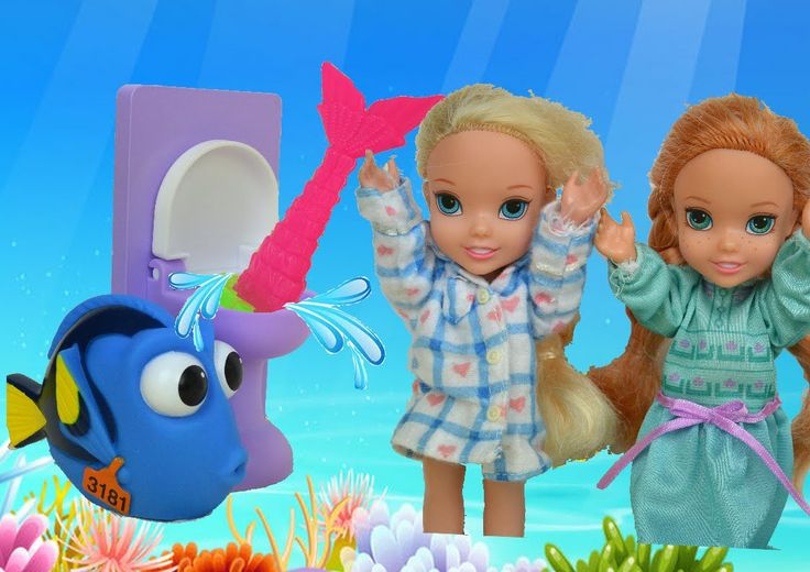 Anna and Elsa Toddlers Mermaid in the Toilet! Finding Dory Nemo 2 Underw...