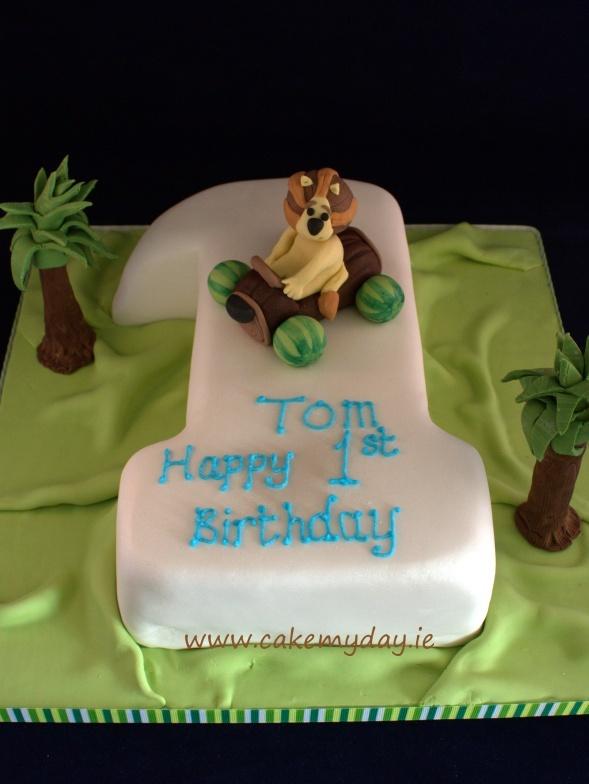 1st birthday cake featuring RaaRaa the Noisy Lion