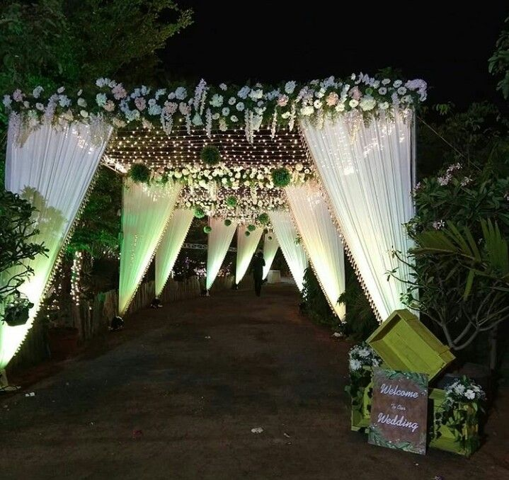 Pin By Rakesh Chowdary On Wedding Decorations Wedding Entrance