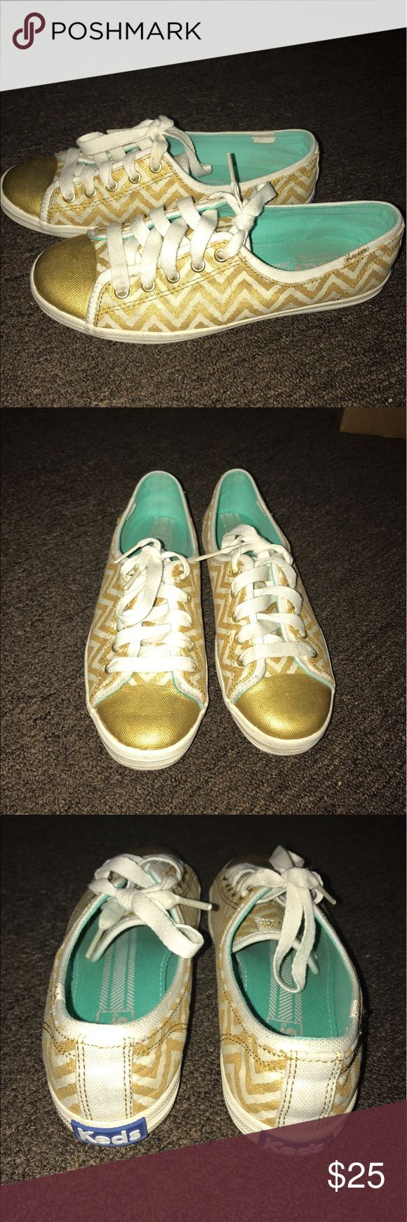 Keds gold chevron shoes size 5 Gently used keds shoes. Women's size 5. Has a gold chevron print. Good condition. Keds Shoes Sneakers