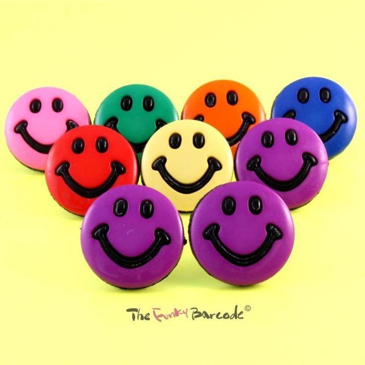 FUNKY SMILEY FACE STUD EARRINGS GIRLS PUNK DANCE RAVE QUIRKY HAPPY FUN GIFT COOL