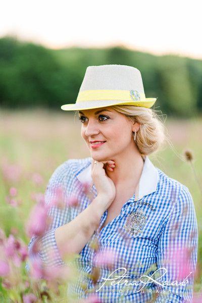 15 besten Oktoberfest Dirndl Madel Feder Hut Bilder auf Pinterest
