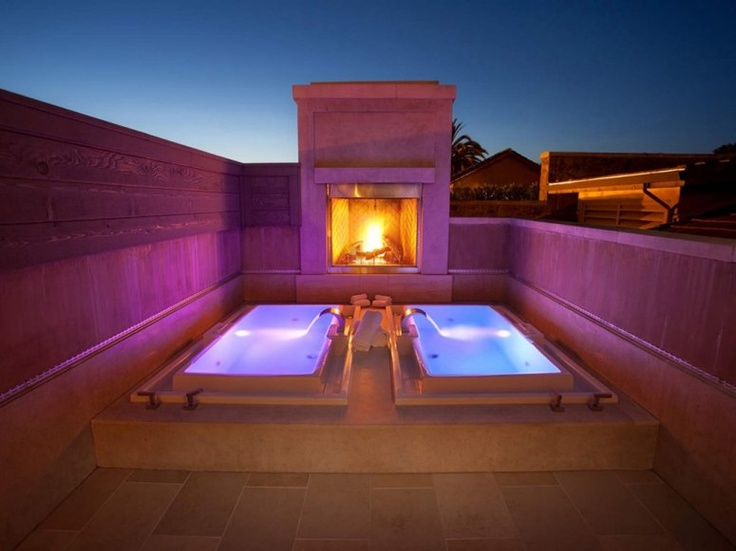 Coziest Hotel Fireplaces.  Hydrotherapy pools at the Villagio Inn, Napa, California