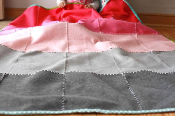 DIY ombre felt blanket http://www2.fiskars.com/Sewing-Quilting/Projects/For-the-Home/Quilts-Blankets/Easy-Ombre-Felt-Blanket
