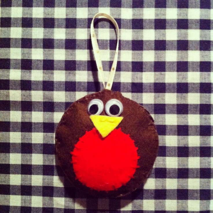 Home made Robin decoration for your Christmas Tree. Visit http://www.facebook.com/KittyAndTiz to find out how to buy