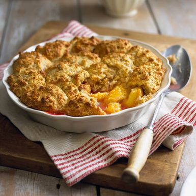 peach cobbler recipe, fresh, pie, receipts - © 2014 William Reavell/Getty Images, licensed to About.com, Inc.