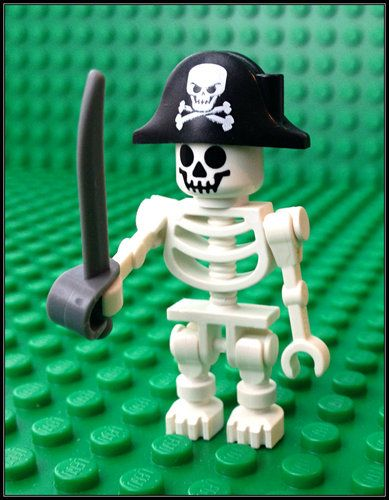 1 x SKELETON PIRATE CAPTAIN Minifigure LEGO Pirates CUTLASS Skull and Crossbones | eBay £2.99