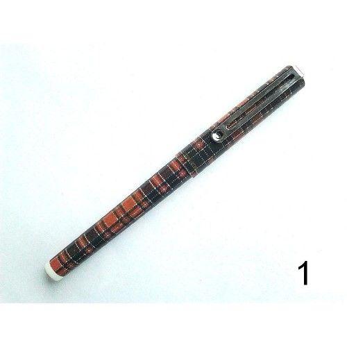 #Ceramic #roller_pen 0.5 mm Logos Ultra Roller - #Kerámia_toll #roller_toll 0,5 mm Logos Ultra Roller #Scottish Roller ( kerámia hegyű ) toll Scottish  0.5 mm írásvastagság, folyékony tintával töltött, szabványos cserélhető betét. Íráshossz: 2000 m. Piros, kék, zöld vagy fekete tintával kérhető.  Logos Ultra Scottish #toll_és tinta #kerámia_hegyű_toll #kerámia_toll