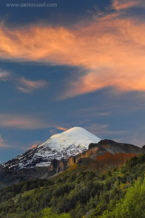 Volcan Lanin, Neuquen, Region de Los Lagos, Patagonia, Argentina