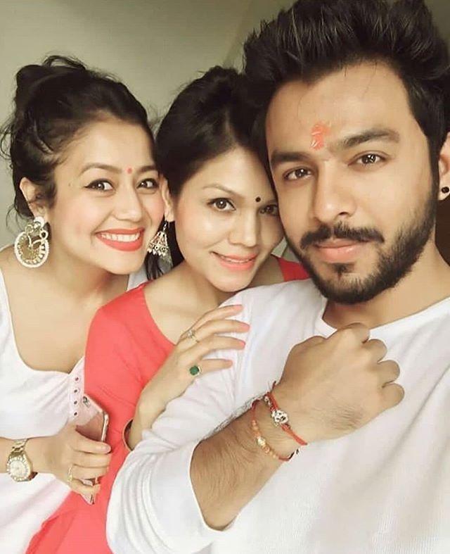 Like For Kakkar Siblings Nehakakkar Bollywood Neha Kakkar Dresses Singer Bollywood Outfits