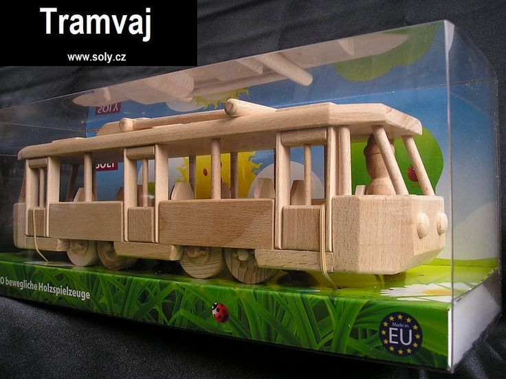 Moderní tramvaj hračka ze dřeva