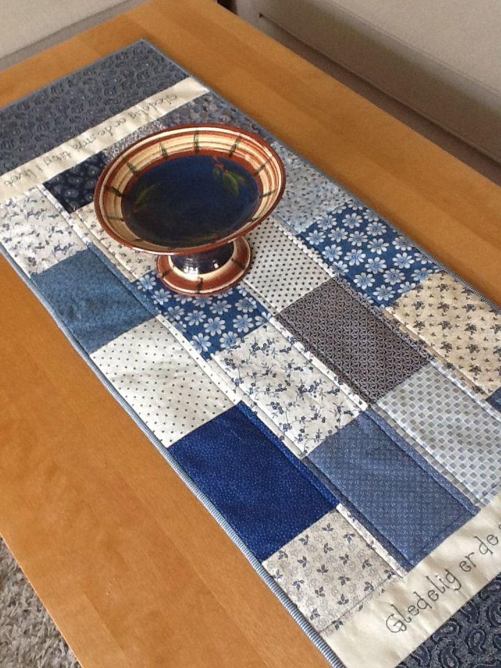 Table Runner in blue
