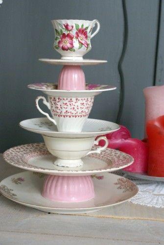 High Tea ~ Super idee voor een High Tea! Oud servies krijgt een nieuw leven!