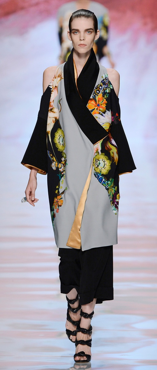 Etro Woman Spring Summer 2013 Runway Show******interesting remodel of a traditional kimono...