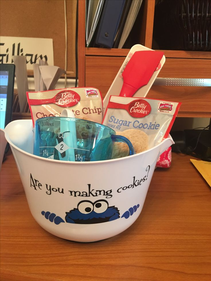 First layered project...Cookie Monster gift basket!