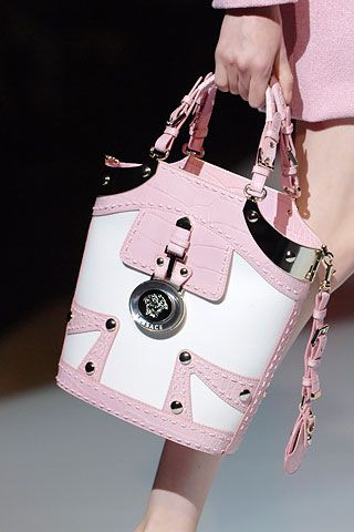 Versace....... I love this purse!!!!! It would be amazing for my collection!!